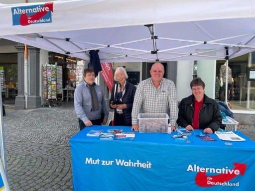 AfD Infostand am 06.08.2021 auf dem Marktplatz in Kitzingen